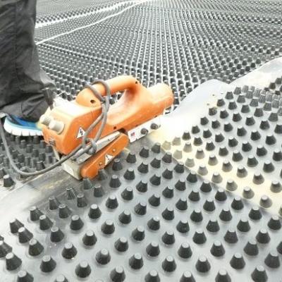 排水板焊接施工